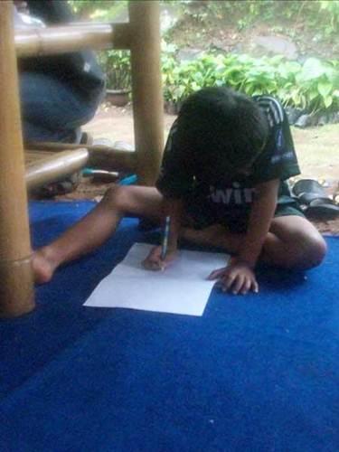 Belajar menulis bisa dimulai sejak masih anak-anak