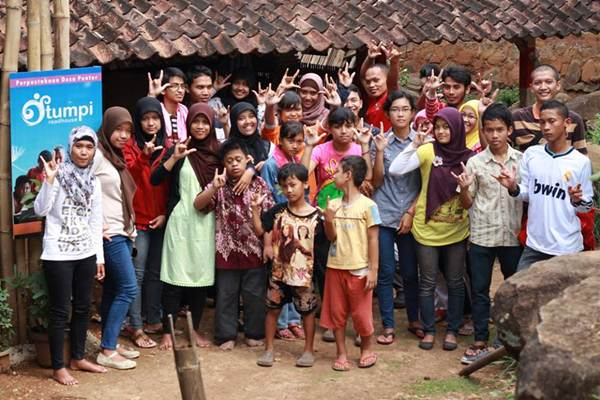 Foto bersama Komtuboy, Tumpi Readhouse dan Boyolali Mengajar