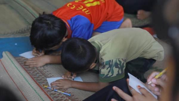 Kompak menggambar dalam acara Jalan Remaja 1208